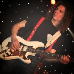 Guus Boom de sologitarist,